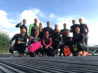 De start2tri groep, waar ik en mijn teamgenootjes assisteren bij de trainingen